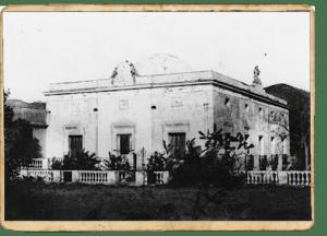 Façana de la masia de Can Peguera