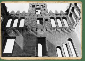 Interior del Castell de Torre Baró