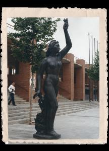 Estàtua de la República a la Pl. Sòller