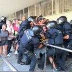 L´AV de la Prosperitat publica un manifest contra l´actuació policial de dijous