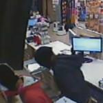 Dos detinguts acusats de cometre 15 robatoris a comerços