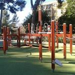 El parc del Turó de la Peira disposa d'una nova instal•lació gimnàstica i lúdica