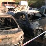 21 vehicles cremats en un solar de la Trinitat Nova