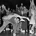 Sis hores de swing a l'Ateneu Popular de Nou Barris