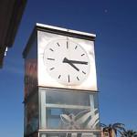 El rellotge de l'ascensor del metro Canyelles ja funciona