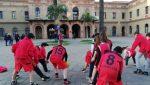 Els equips del CBS Canyelles reclamen la cobertura urgent de la pista de bàsquet